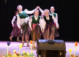 """Pavasara ieskaņas koncerts """"Sanākam padejot"""" 1.aprīlī"""